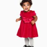 Petites tenues de Noël pour bébé fille.