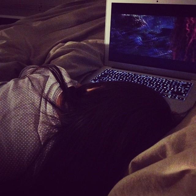 Et quand je m'allonge près d'elle, elle s'endort enfin...