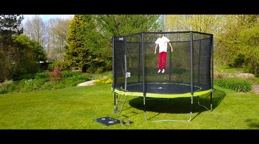un trampoline kangui pour le jardin