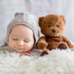 Cadeaux naissance : doudous et nounours bébé